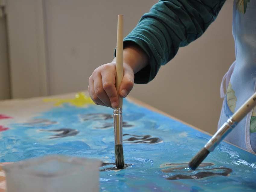 Activité peinture et modelage